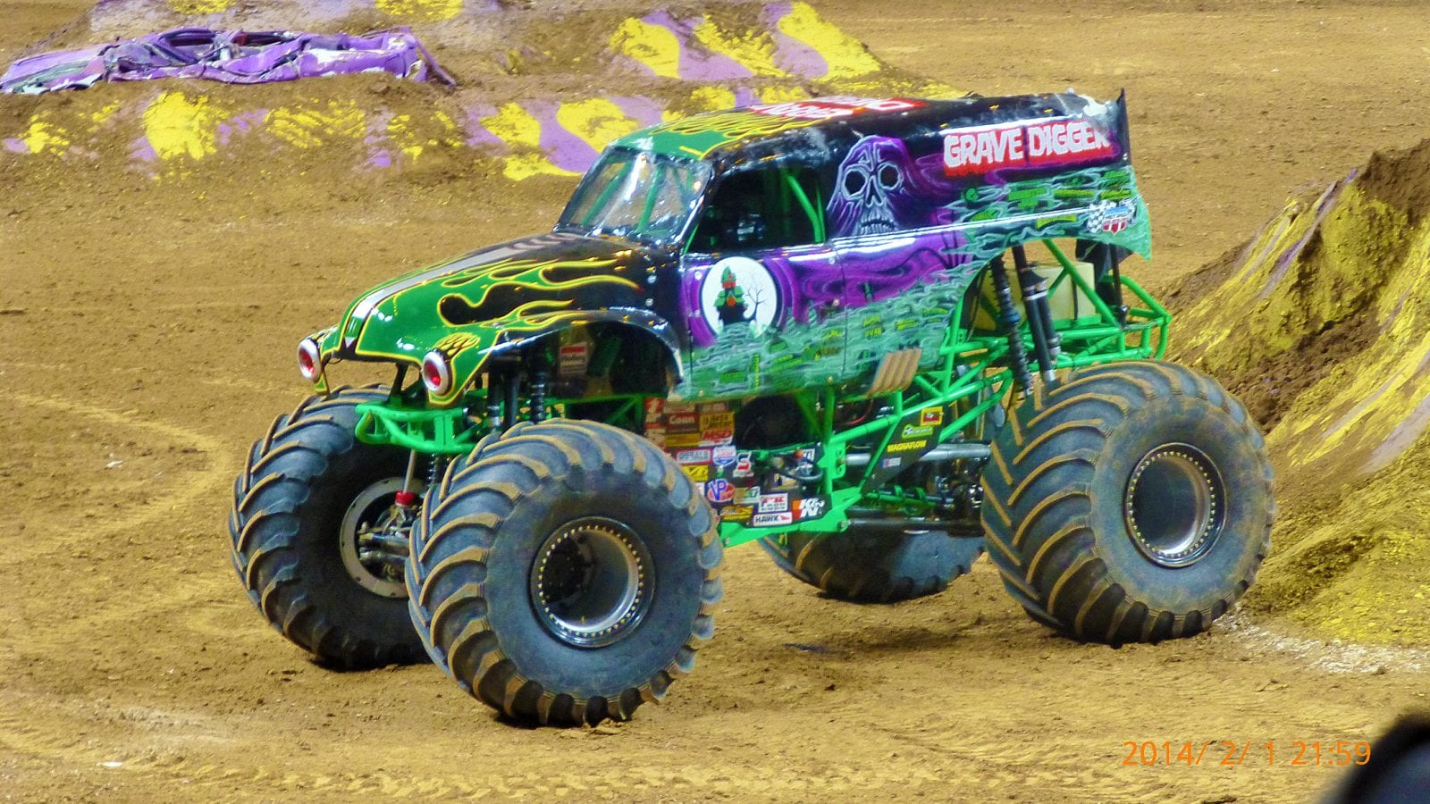 monster truck grave digger photo