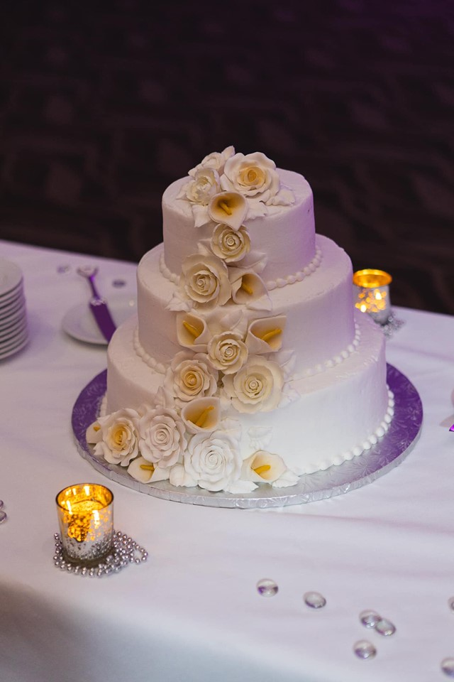 photo of wedding cake